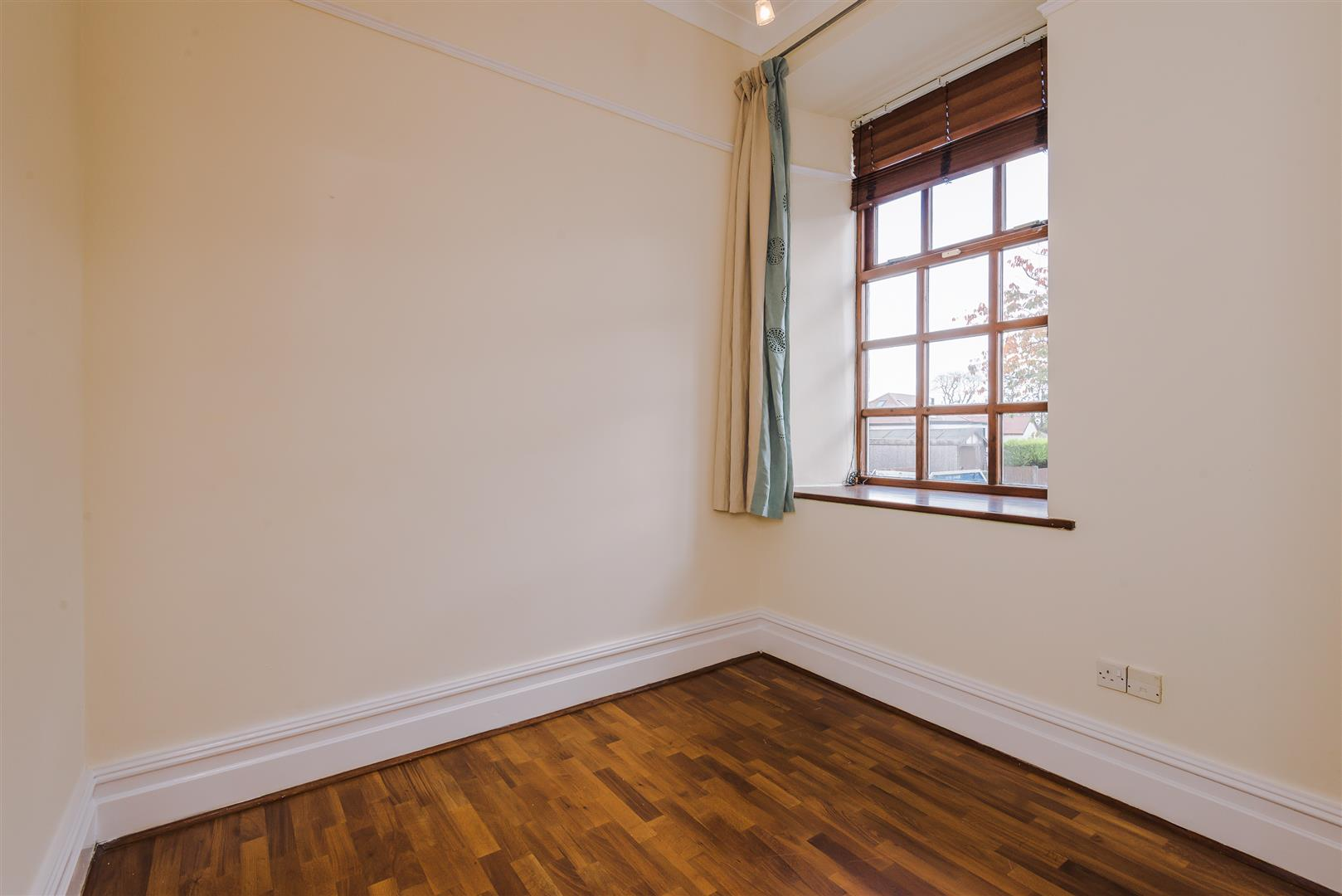 2 Bedroom Apartment For Sale Image 7